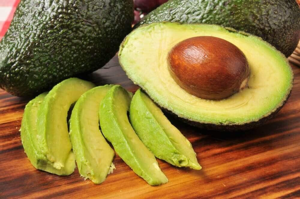 φρούτα που επιταχύνουν την απώλεια βάρους - αβοκαντο