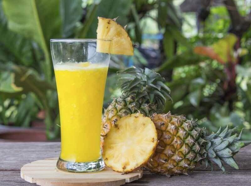 γευστικό smoothie ανανά