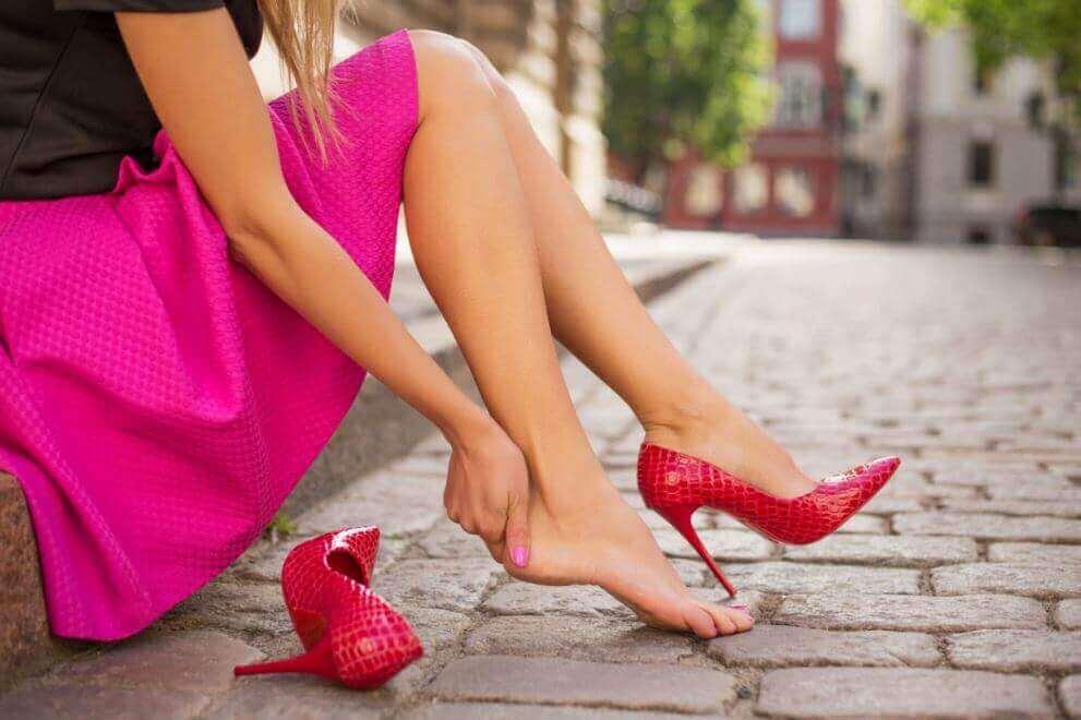 5 συμβουλές για να αποφύγετε να σας χτυπήσουν τα παπούτσια σας
