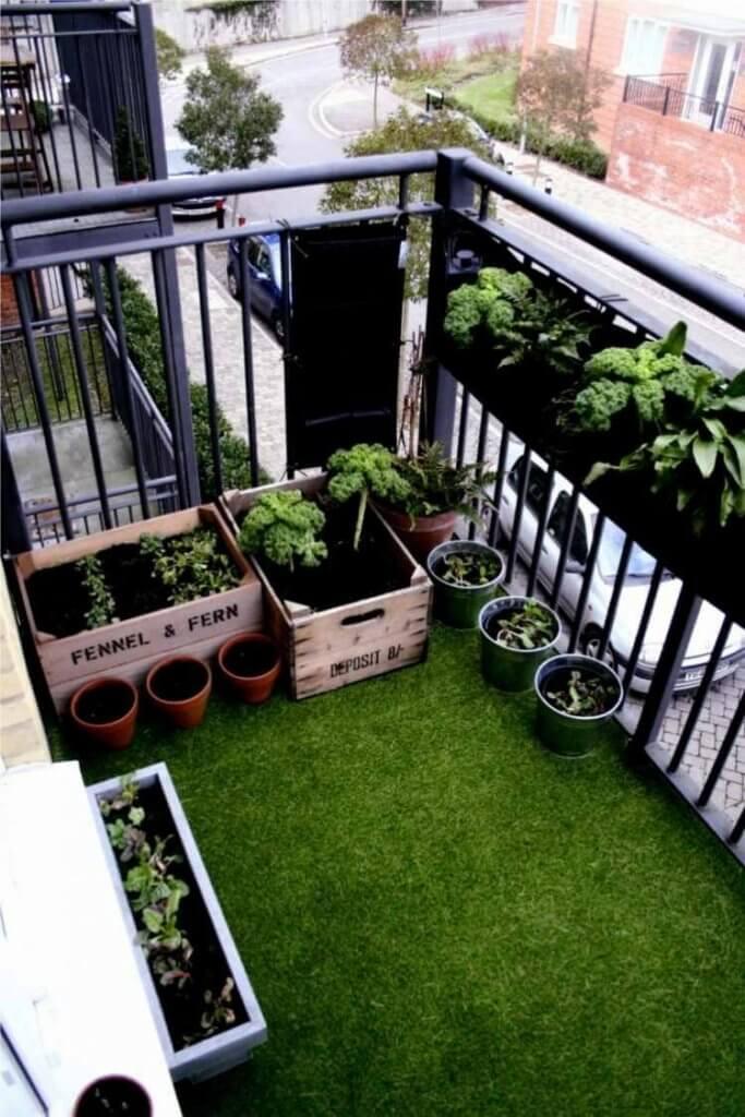 Μικροί αστικοί κήποι - Τεχνητό γκαζόν