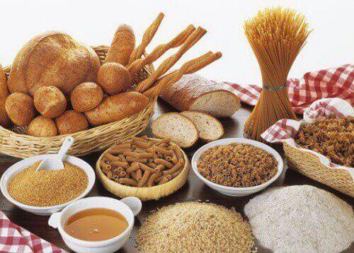 ψωμί και διάφορα είδη από μακαρόνια, τόνωση των μυών