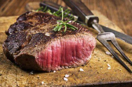 ψητό κόκκινο κρέας