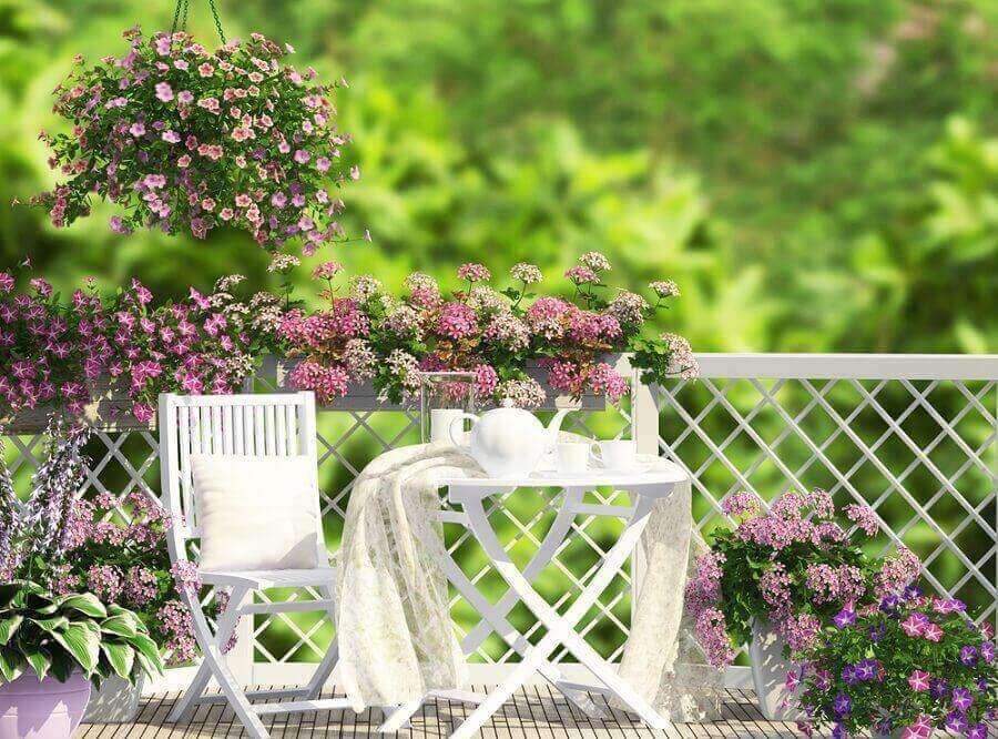 Μικροί αστικοί κήποι - Τραπέζι και καρέκλα