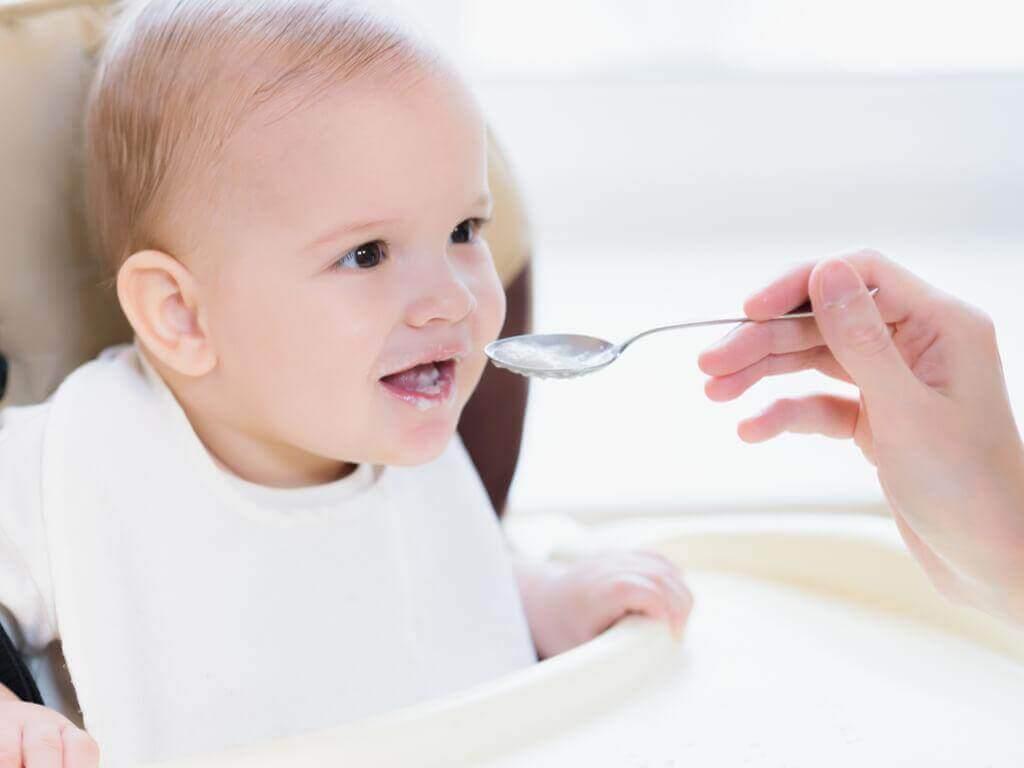 Τροφές που δεν πρέπει να δίνετε στο 9μηνο μωρό σας;