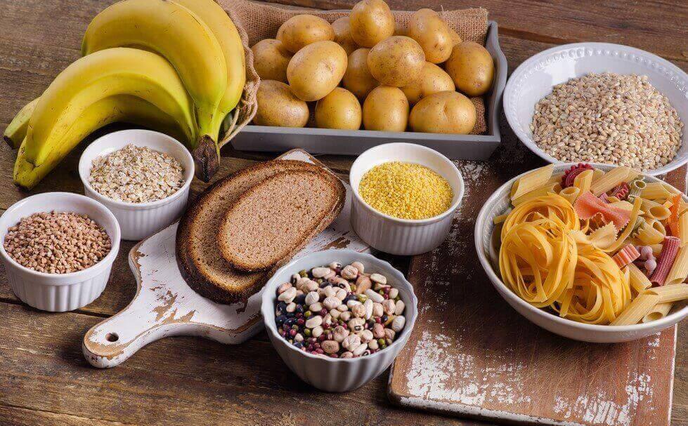 ψωμί, ζυμαρικά, δημητριακά, μπανάνες, δίαιτα χαμηλή σε υδατάνθρακες