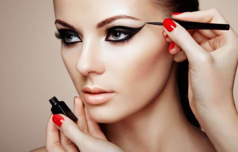 7 μυστικά του μακιγιάζ για πραγματικά εκθαμβωτική εμφάνιση