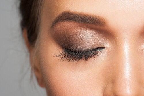 7 μυστικά του μακιγιάζ -  σκιά ματιών