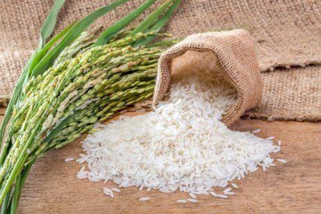 άσπρο ρύζι σε σακουλάκι
