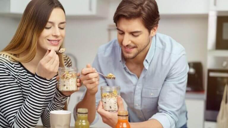 Συνταγές για νόστιμο και θρεπτικό σμούθι με γάλα βρώμης