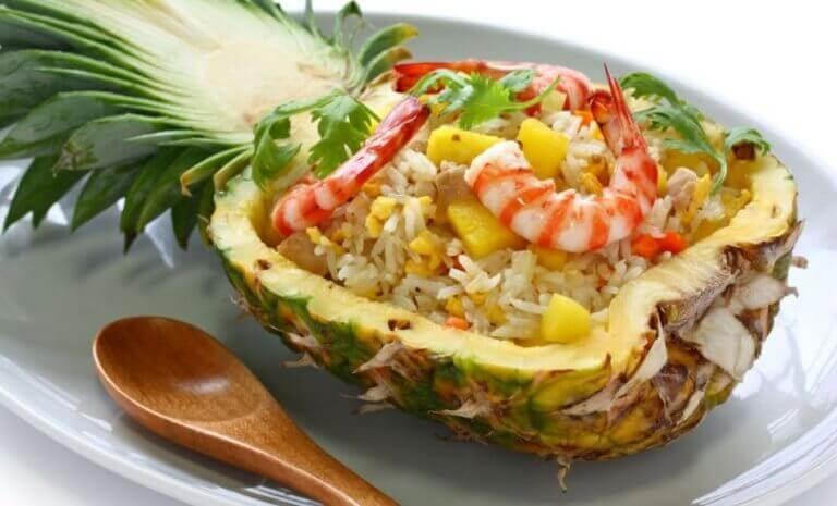 Συνταγές με ανανά - Ανανάς γεμιστός με ρύζι και γαρίδες