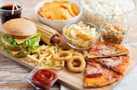 κακές συνήθειες Ανθυγιεινές τροφές