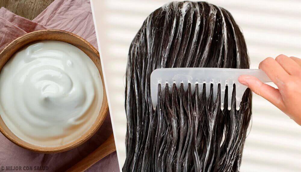 Γυναίκα εφαρμόζει κρέμα στα μαλλιά -μαλλιά σας να μεγαλώσουν δυνατά γρήγορα