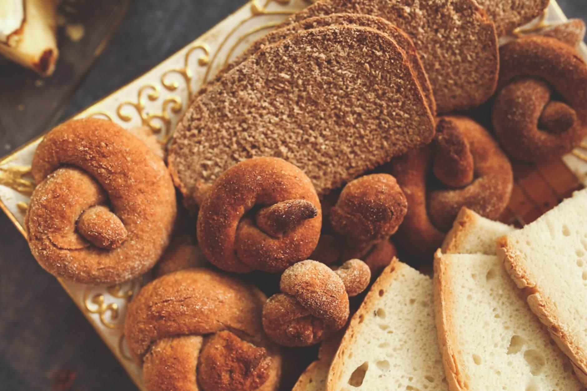 κουλούρια και ψωμί ολικής αλέσεως