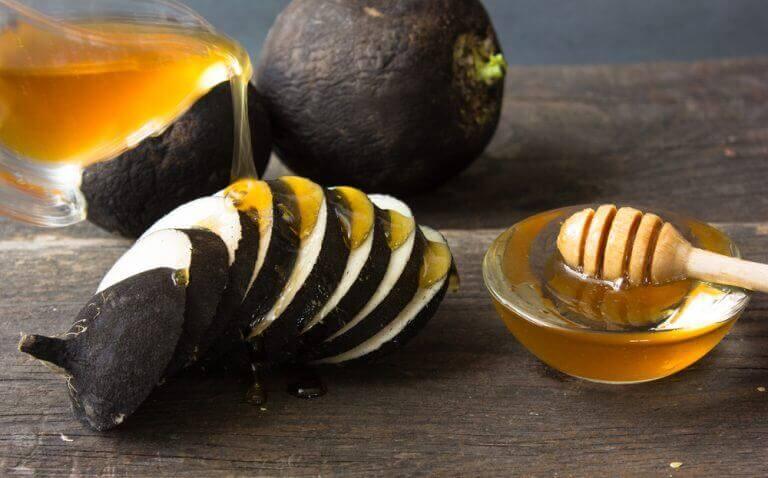 ραπανάκια και μέλι απαλύνετε τις πανάδες