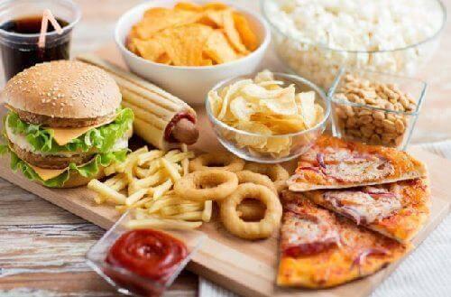 Δίαιτα κατά την εμμηνόπαυση - Επεξεργασμένες τροφές