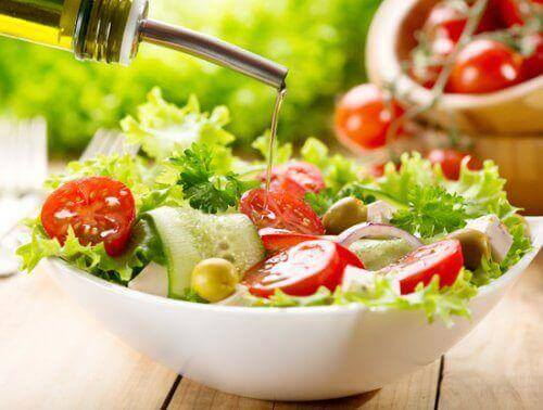Υγιής δίαιτα - Μεσογειακή σαλάτα