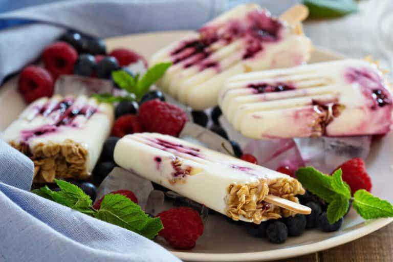 Παγωμένο γιαούρτι: φτιάξτε το με 3 τρόπους
