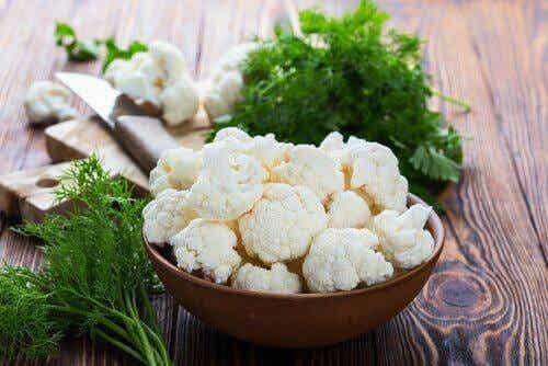 Μάθετε πώς να φτιάξετε κουνουπίδι ογκρατέν με μπεσαμέλ