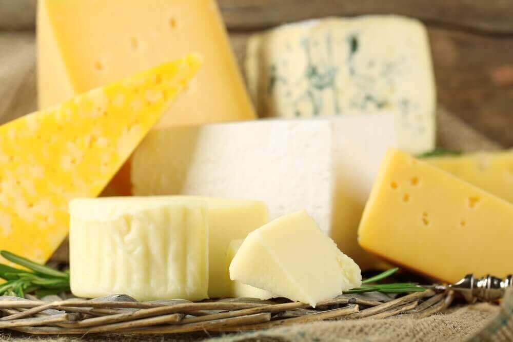 Σάντουιτς Μόντε Κρίστο - Διάφορα τυριά