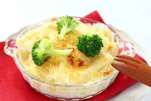 Ελαφρύ δείπνο - Μπρόκολο με τυρί
