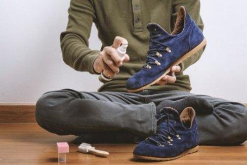 Καθάρισμα των παπουτσιών