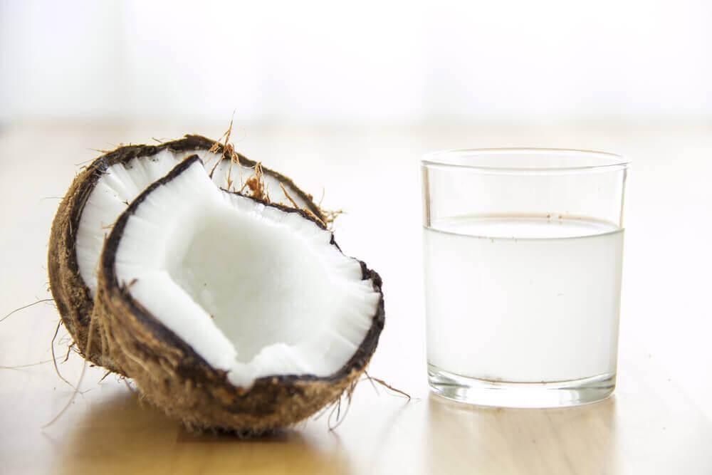 Αυξήσετε τα αιμοπετάλιά σας - Καρύδα και νερό καρύδας