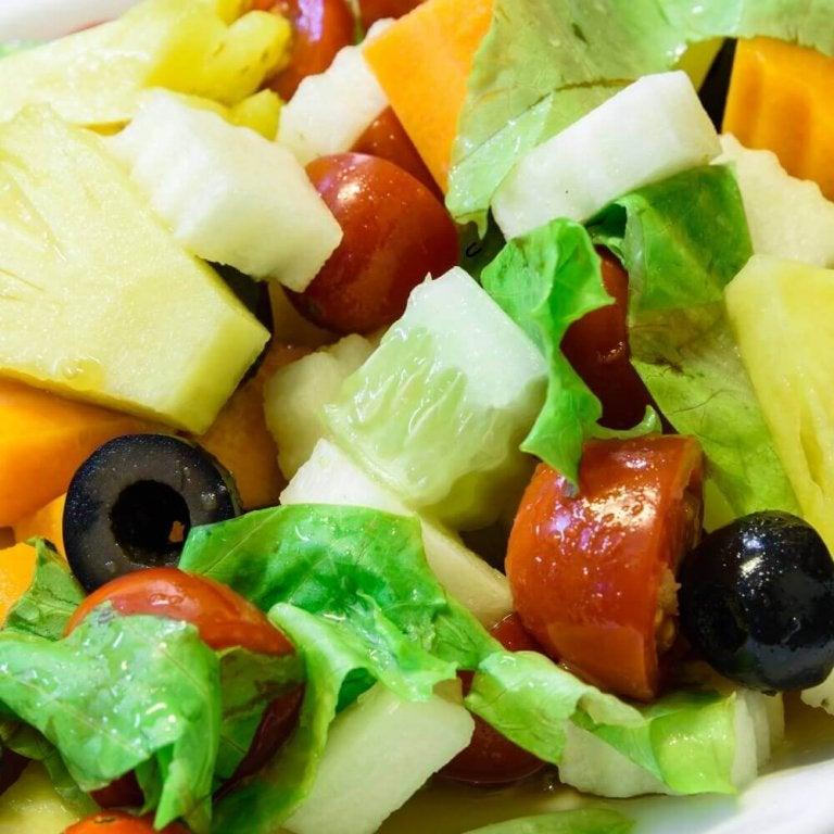 Σαλάτες με ανανά τέλειες για το βραδινό σας γεύμα
