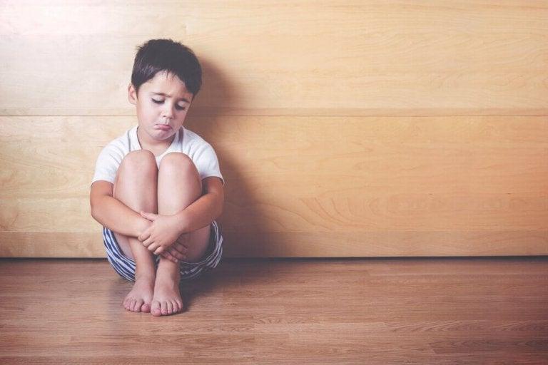 Συναισθηματική στέρηση στα παιδιά: 6 σημάδια που τη φανερώνουν