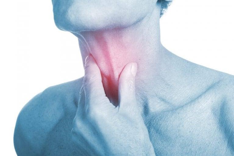 4 αντιβιοτικές θεραπείες για τη λοίμωξη στο λαιμό