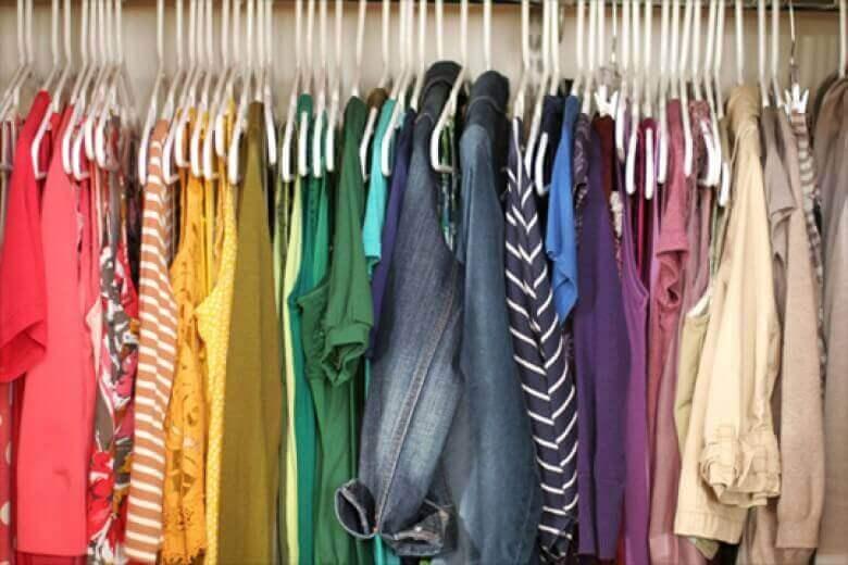 Χρώματα που φοράτε - Ρούχα σε διάφορα χρώματα