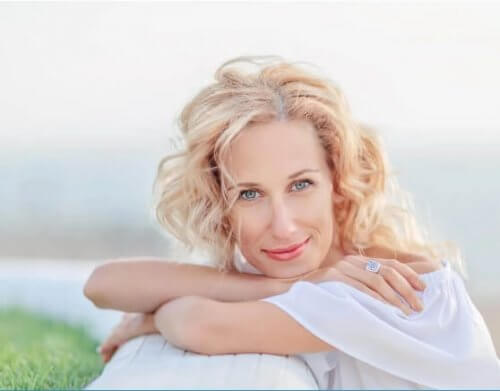 8 Συμβουλές για τη φροντίδα του δέρματος στην εμμηνόπαυση