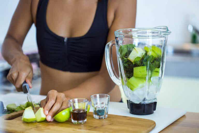 Αποτοξινωτικά και αδυνατιστικά σμούθι: μάθετε 5 γευστικές συνταγές