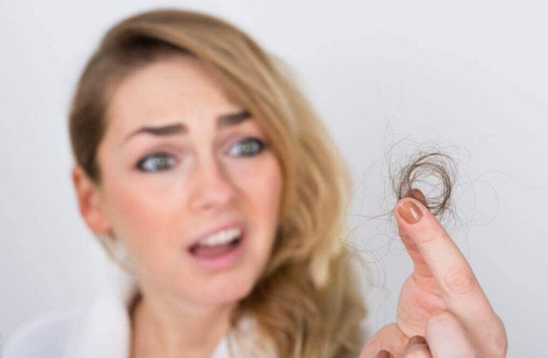 7 μύθοι για την απώλεια μαλλιών: Εσείς τους πιστεύετε;