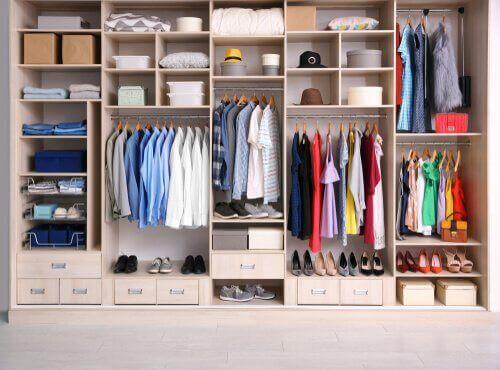 Οργάνωση της ντουλάπας: πώς να την κάνετε μόνοι σας!