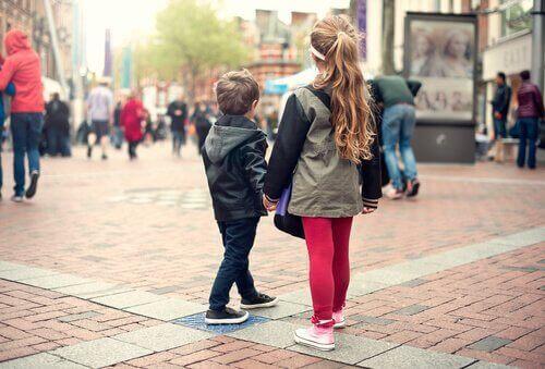 Να διδάξετε στο παιδί σας τι πρέπει να κάνει αν χαθεί