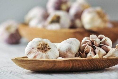 Αδυνατιστικές ιδιότητες του σκόρδου: απίστευτες κι όμως αληθινές!