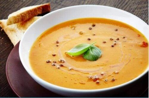 Οι 4 καλύτερες συνταγές για βελουτέ σούπα λαχανικών