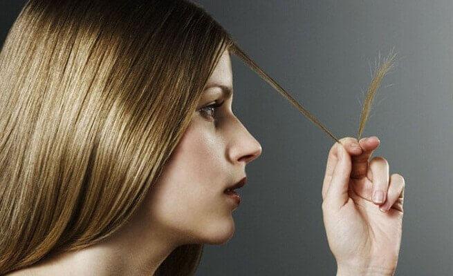 πως να αφαιρέσετε την ψαλίδα των μαλλιών