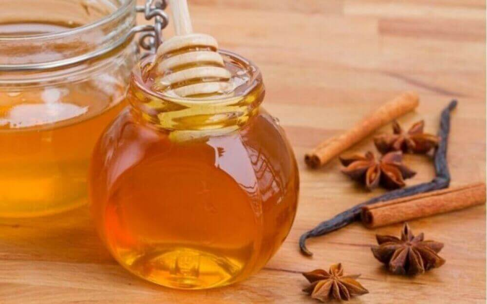μέλι για να ενισχύσετε την άμυνα του οργανισμού σας