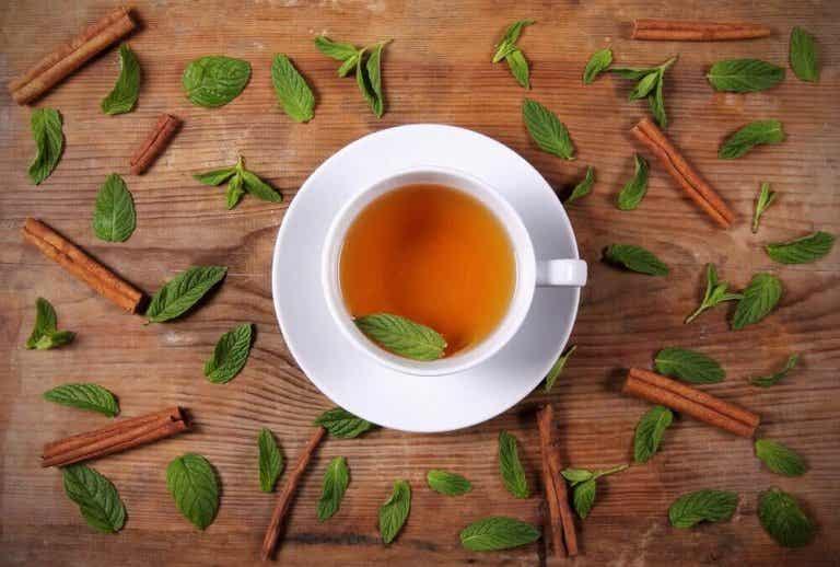 Τσάι από μέλι και κανέλα για απώλεια βάρους