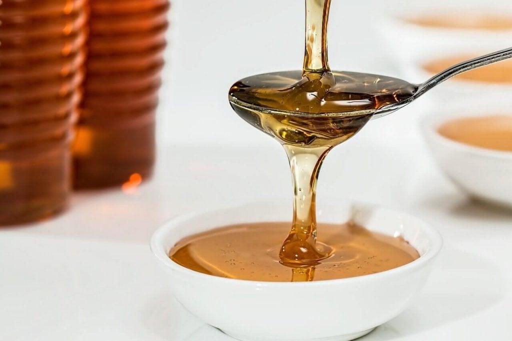 μέλι σε νερό