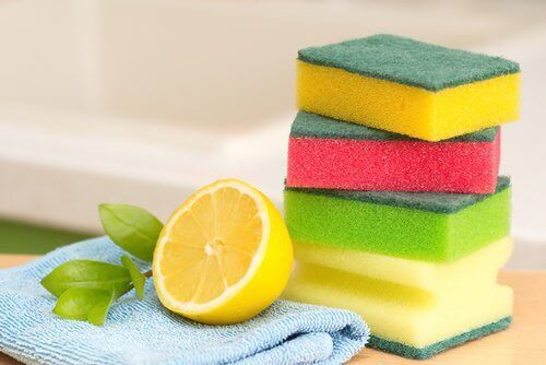 απολύμανση σφουγγαριών για μια 5 τρόποι για να διατηρήσετε μια αψεγάδιαστη κουζίνα