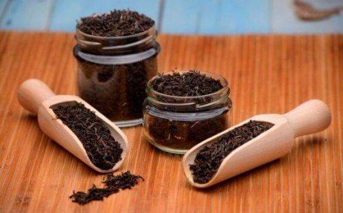 6 καταπληκτικές θεραπείες με μαύρο τσάι που πρέπει να γνωρίζετε