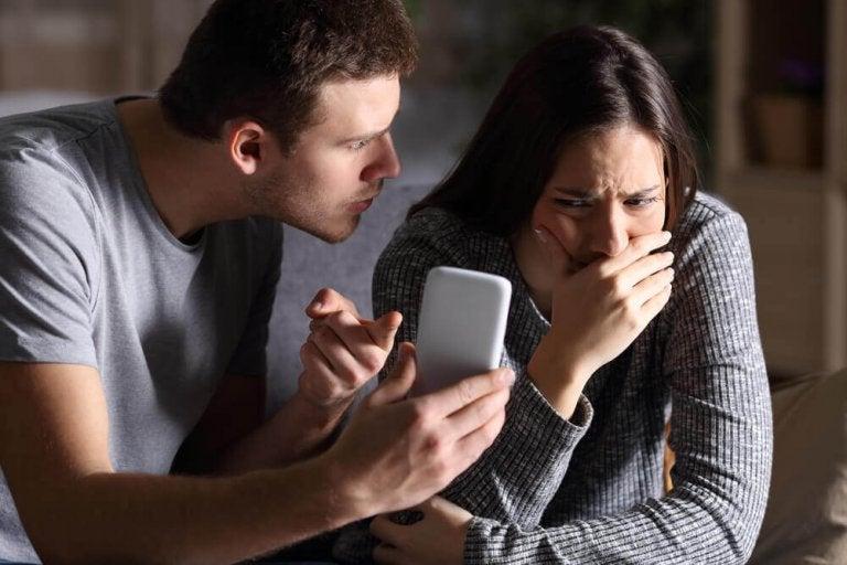 Τι να κάνετε εάν έχετε κυρίαρχο σύντροφο