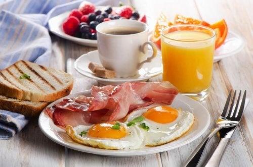 πρωτεΐνη στο πρωινό