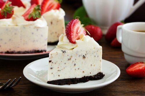Cheesecake με Oreo σε πιάτο