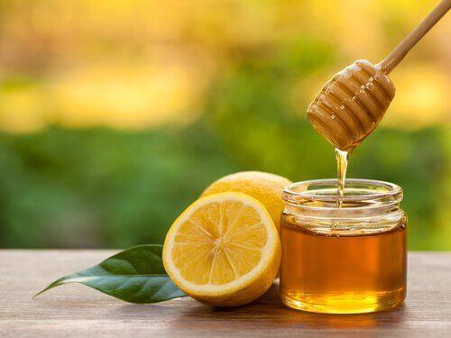 μέλι για λάμψη στις μασχάλες