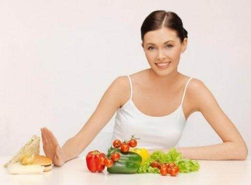 Χάστε βάρος χωρίς δίαιτα: Επτά αλλαγές που θα σας βοηθήσουν
