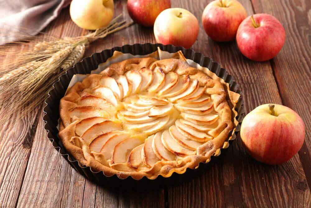 μηλόπιτα με κρέμα