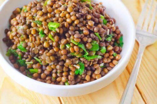 Φακές με λαχανικά: μάθετε αυτή την πεντανόστιμη συνταγή!